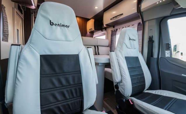 Semi integraal – Ford Cocoon 496, Benimar 2019