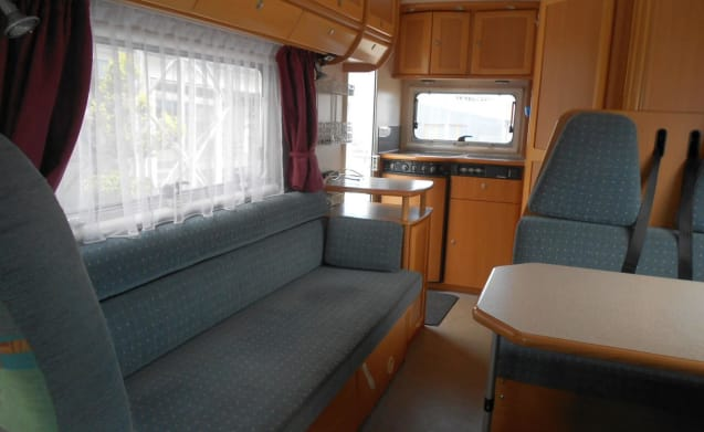 Globetrotter I5832 – for rent nice and compact camper