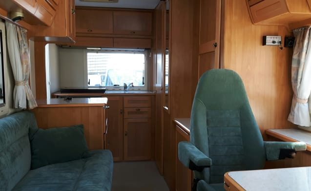 Hymer B584; Freedom, luxury, adventure and dog are allowed !!