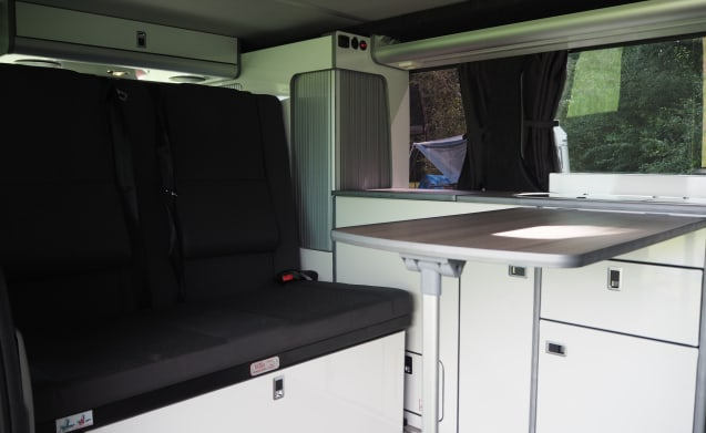Stiki – Luxurious 2 person camper