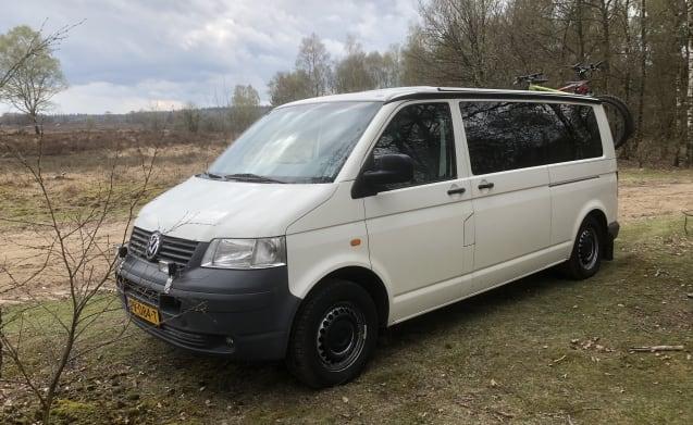 VW Transporter T5 (4x4) voor de primitieve kampeerder
