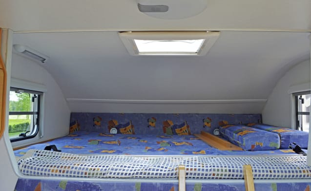 111 – Knaus Suntraveler - 6 sleeping places - fixed beds and complete inventory