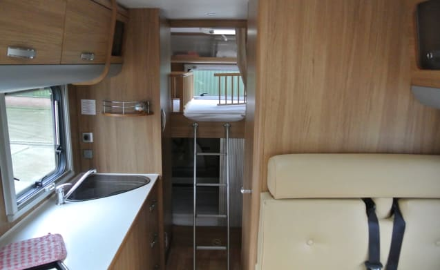 Nice spacious family motorhome in 2010