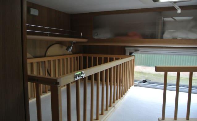 Nizza spazioso camper di famiglia nel 2010