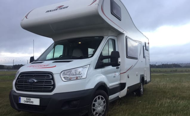 6 Berth Motorhome – Ford Roller Team Zefiro 6 Berth Camperplaats