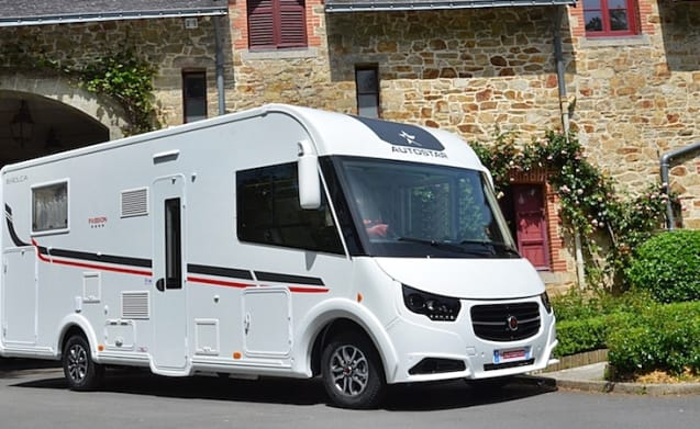 Want to rent a Winterproof Luxury motorhome? Experience freedom with extra comfort!