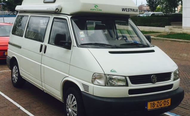 Volkswagen California T4 + front tent with sleeper cab
