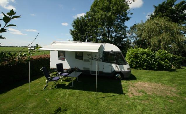 Completa pulito camper Bürstner i574 eleganza