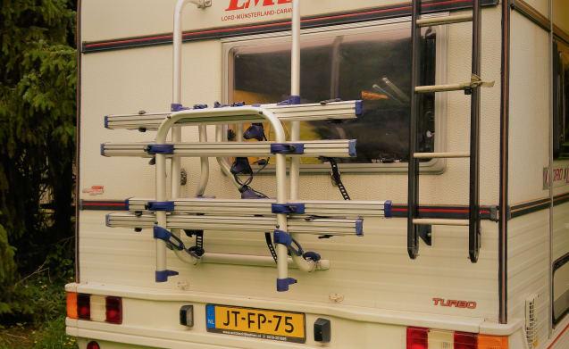 Fiat LMC Liberty  – Cozy camper Fiat LMC Liberty for 6 people