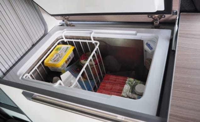 Dava – Luxury 4 person camper