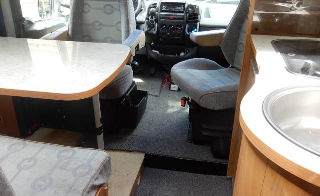 Burstner T 585 – Reliable 2 person camper