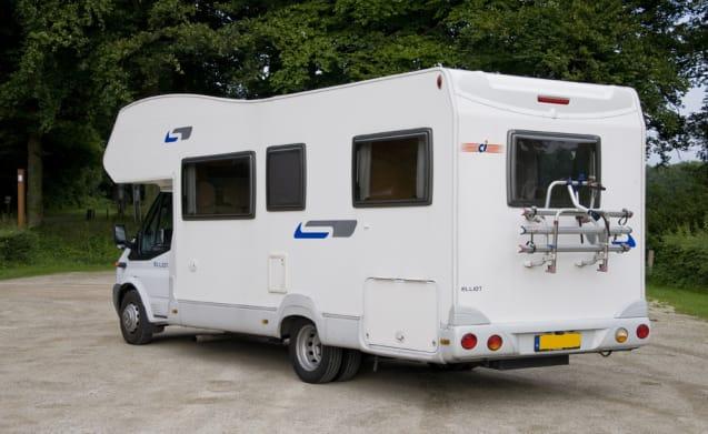 Wonderful driving 2007. Rondzit. Modern large 6-person camper
