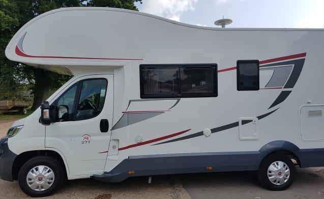 6 Berth Beautiful Camper Fiat Rollerteam 277