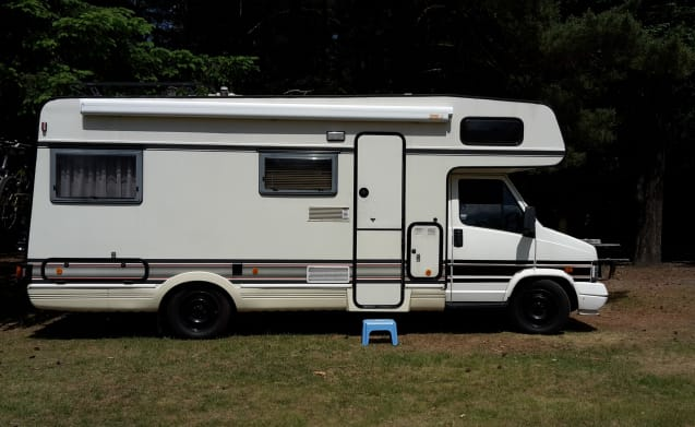Strong and reliable 5-person Fiat Ducato camper