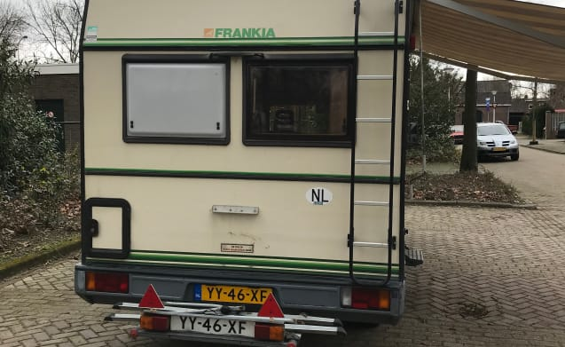 Frank – Pack up and go with Frank! Fully equipped adventure camper!