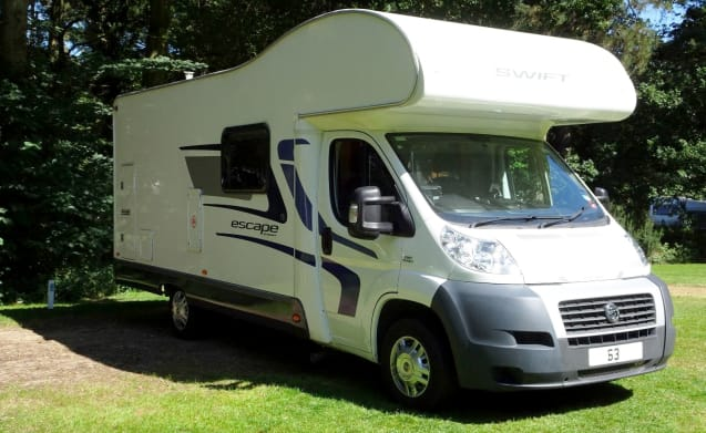 SUPERB 6 BIRTH FAMILY MOTORHOME