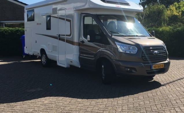 Nice, spacious Roller Team camper (H02) - small driver's license