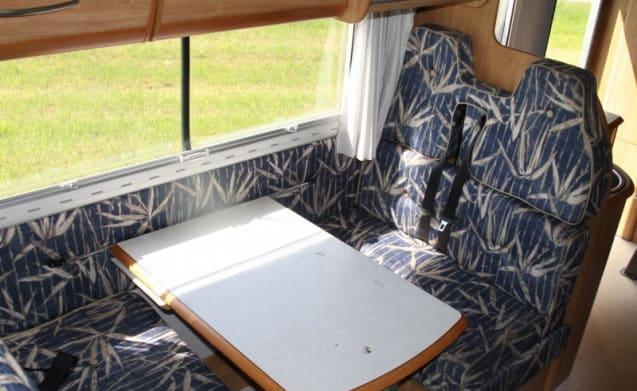 Super Brig 678 (2) – Carino Super Brig 678 (2) camper per 7 persone