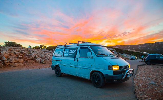 Westfalia T4 California for Rent Sardinia NuVan