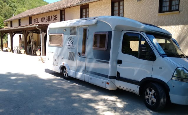 Sunny – Very complete, 4 person Knaus Sun Ti