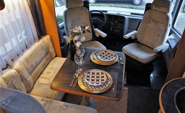 Offerta prenotazione anticipata! .Il nostro camper Ducato decorato accogliente 690 4 p.