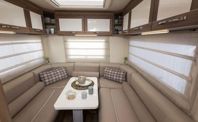 Luna 2 – 6 Berth Luxury Motorhome - Fiat Rollerteam 746 U shaped Lounge