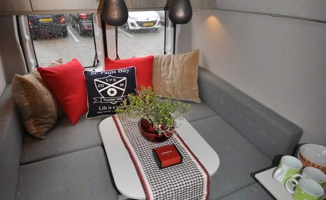 Type 3c – Unieke hippe Mercedes Vito Buscamper