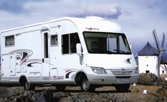 C-rijbewijs Frankia – Time for freedom and space to relax with our family camper