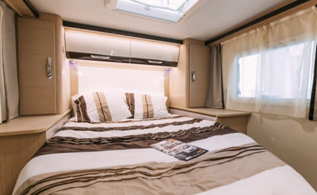 Sovereign – At NL border: New (2018) & luxurious Sovereign with XXL bed