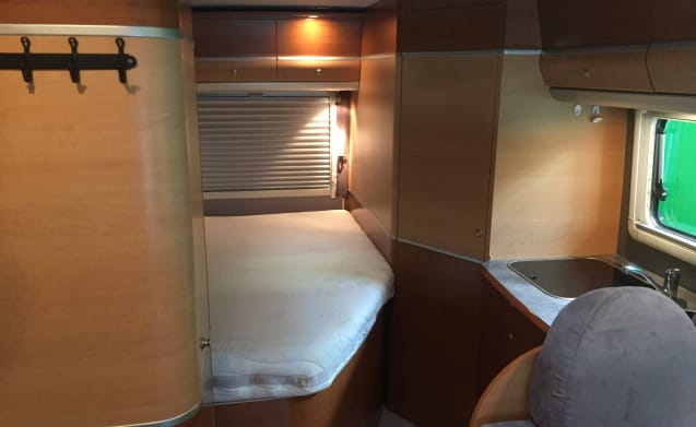 Karmann Colorado 655 Ti fixed bed