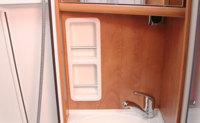 Buscamper Carthago Malibu 640LE with length beds! Bjr 2016