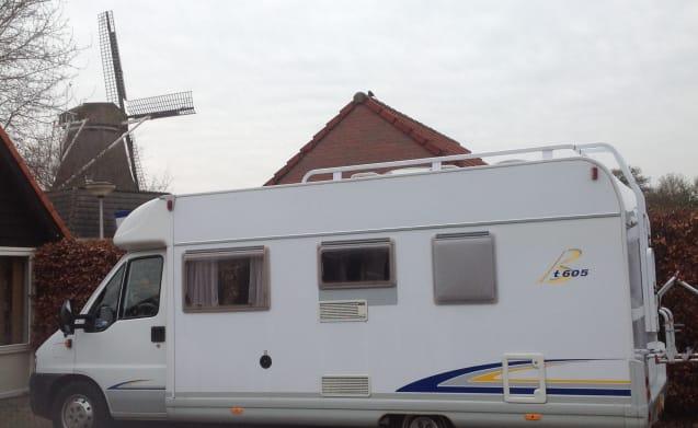 De Zwaluw – Onbezorgd aan de vakantie beginnen met de complete Bürstner T 605