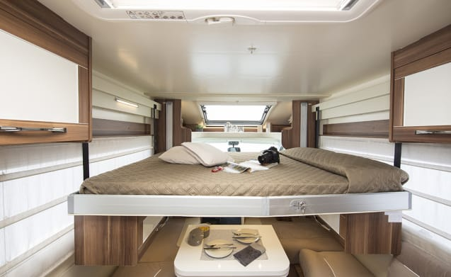 Luxury 2018 5 Berth Family Motorhome Hire