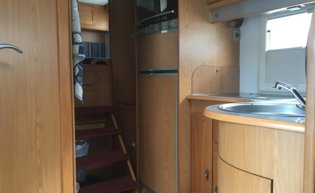 On holiday with a spacious and complete camper!
