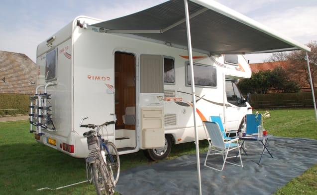 6 ford rimor katamarano sound 6 persoons camper – 6 ford Rimor Katamarano 2013 6 persoons