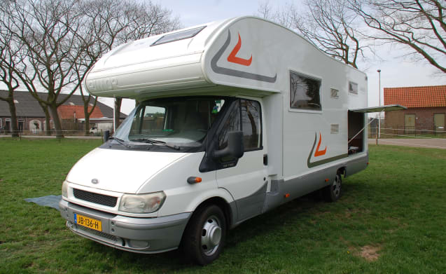 3 – 3 ford rimor  6 persoons camper
