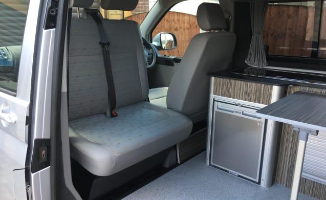 Newley converted VW T5.1 Transporter 4 birth