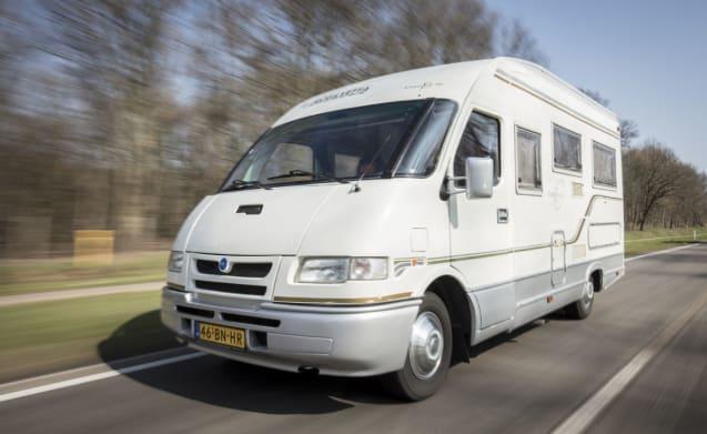 Wonderful mobilvetta camper for 4 people