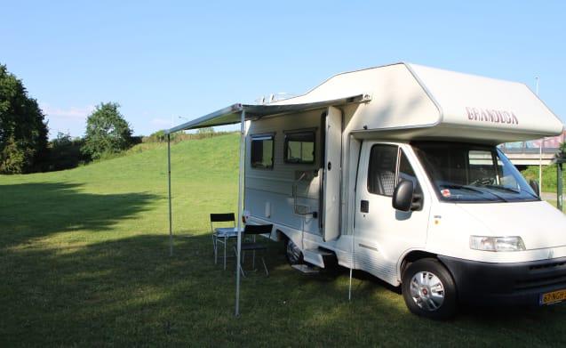Friendly Camper – Gerenoveerde familiecamper!