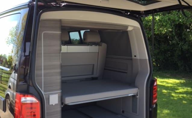 Mrs Plum – VW California Ocean top specification - Mrs Plum