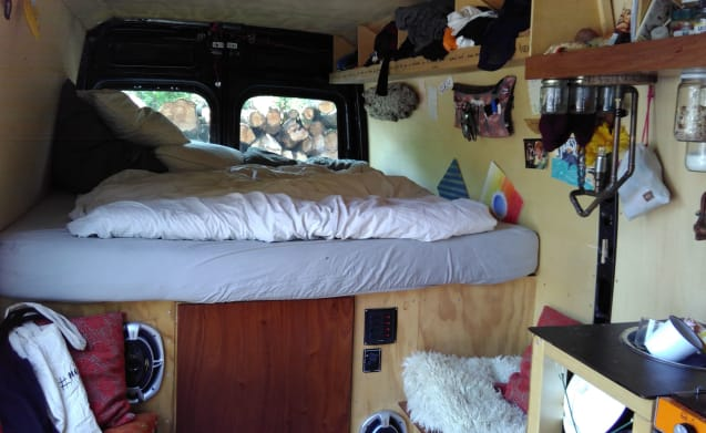 Lotte's bus (lovely big bed)