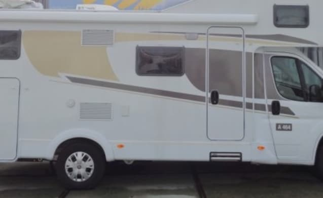 Camper di lusso con layout compatto per 6 persone / PF6