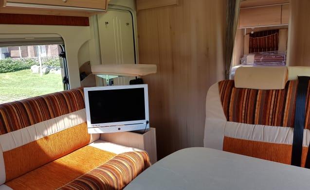 Burstner Ixeo – Nice, spacious Burstner Ixeo, Queensbed and Elektr. lift bed family camper