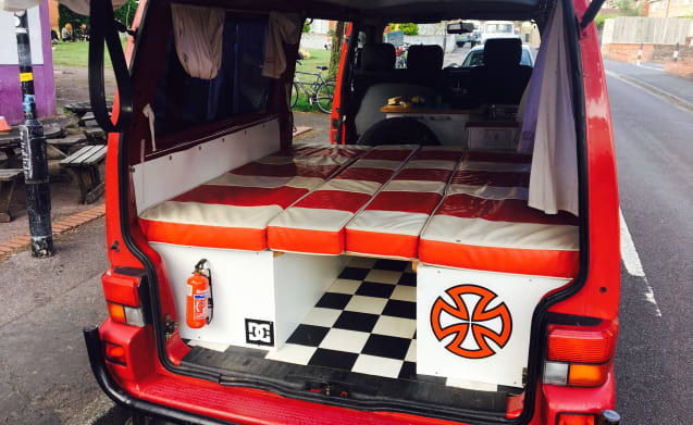 Big Red Eco – Big Red Eco Camper for hire