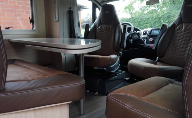 Beautiful new luxurious and fully equipped mobile home