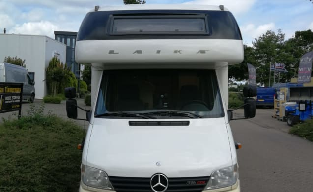 Laika Kreos 3004 Family Camper – Fantastische Laika Mercedes-Benz Happy Family Camper Automaat