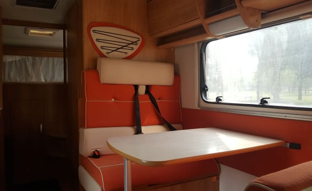 Rio – Ideal family camper, safely on the road with 4-6 people
