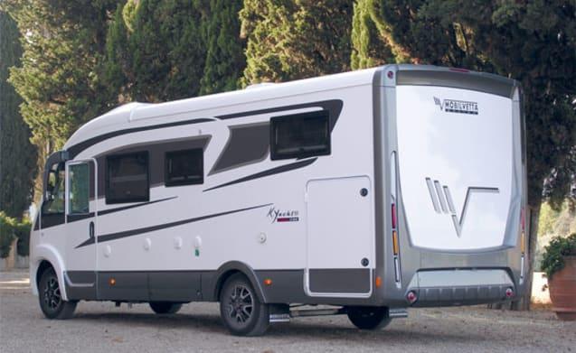 MANUELA – NEW MOTORHOME CAMPER FOR 4 PEOPLE