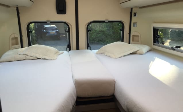Discover the freedom with our beautiful 2 person camper.
