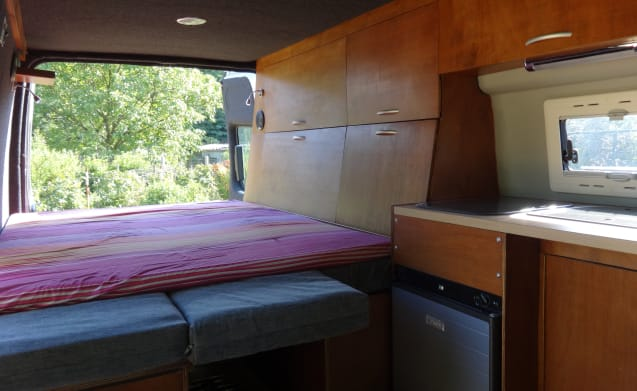 Very nice, compact mobile home for 2 people